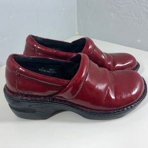 BOC Red faux patten leather slip on clog size 6.5